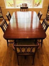 Dining room table with 6 chairs in Macon, Georgia