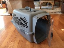 Pet Crate in Glendale Heights, Illinois