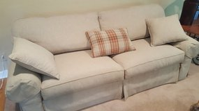 ETHAN ALLEN COUCH WITH PILLOWS in Bolingbrook, Illinois