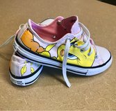 Girls Tweety Converse Size 2 in Fort Bliss, Texas