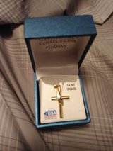 14 kt gold cross Necklace in Alamogordo, New Mexico