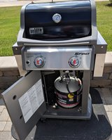 Like New Weber Spirit E-210 package for Sale in Bolingbrook, Illinois