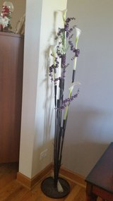 Decorative tall vase stand in Tinley Park, Illinois