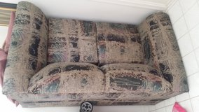 couch ( pull out) in Bolingbrook, Illinois