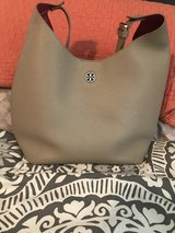 Tory Burch authentic Perry Hobo in French grey in Oswego, New York