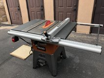 Table saw And shop vac in Fort Bliss, Texas