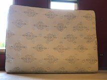 sealy beauty rest queen mattress like new in Orland Park, Illinois