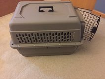 Dog carrier / crate in Chicago, Illinois