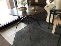 Cool Vintage Table in Glendale Heights, Illinois