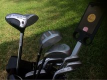 SET OF GOLF CLUBS AND BAG in Norfolk, Virginia