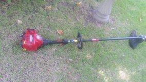 CRAFTSMAN WEEDEATER  30cc four stroke in Conroe, Texas