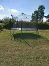 15 ft Trampoline, Like New, Free Delivery in Spangdahlem, Germany