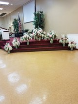 Wedding floral arrangements, 20 pew bouquets and bridesmaids bouquets in Schaumburg, Illinois