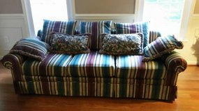 SOFA AND LOVESEAT SET-EXCELLENT CONDITION in Fort Belvoir, Virginia