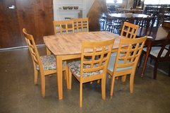 Table and 4 chairs in Tacoma, Washington