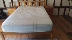 Double bed and mattress only used 6weeks in Lakenheath, UK