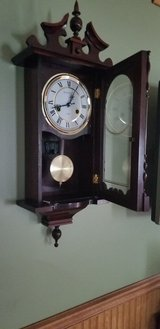small grandfather clock chimes hour and half hour wind up 31 days in Oswego, Illinois