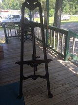 Pictures holder stand in Spring, Texas
