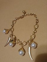 Goldtone pearl bracelet in Baytown, Texas