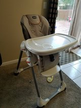 chicco baby high chair in Lockport, Illinois