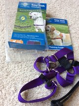 Pet Safe Easy Walk dog harness Medium in Aurora, Illinois