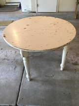 Vintage Table in Glendale Heights, Illinois