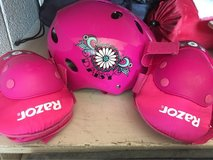 girls' helmet & pads in Fort Bliss, Texas