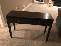 nice high end table like new in Quantico, Virginia