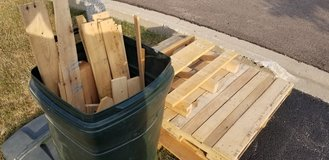 Pallets (3) and pallet wood in Naperville, Illinois