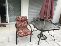 End of summer sale! Patio Furniture & 4 chairs in Stuttgart, GE