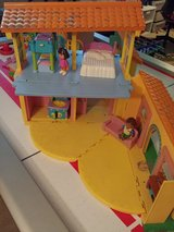 Dora talking house and lots of extras in Naperville, Illinois