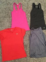 Workout clothes size small in Fort Polk, Louisiana