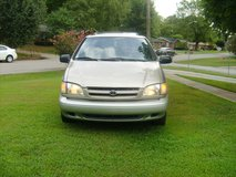 2000 Toyota Sienna Xle very clean mini van Senior Driver in Fort Campbell, Kentucky