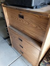 FREE - Desk / chest 3 drawers in Camp Pendleton, California