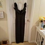 Black Formal Gown  (Sz 10) in Fort Knox, Kentucky