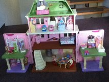 Loving Family Grand Doll House in Grafenwoehr, GE