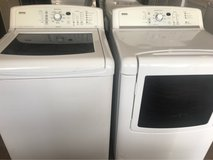 Kenmore Elite washer and dryer electric in Cleveland, Texas