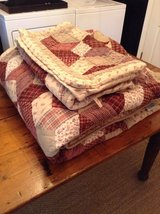 The Company Store Quilt Bedspread Queen Size standard size pillow shams in Hopkinsville, Kentucky