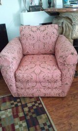 Spinning Comfortable Chair in Naperville, Illinois