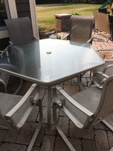 7 piece Martha Stewart Living patio set in very good condition 6 nice chairs and 1 table ready t... in Chicago, Illinois