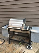 WEBER GENESIS GOLD GRILL 3 BURNERS LOTS OF TABLE SPACE in Naperville, Illinois