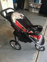Graco jogging stroller in Chicago, Illinois