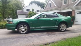 Electric Green 2000 Ford Mustang LOW MILEAGE (Naperville) in Naperville, Illinois