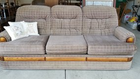 Sofa/Couch in Glendale Heights, Illinois