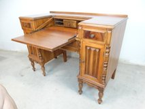 Vintage Early American Dropleaf Desk in Pearland, Texas