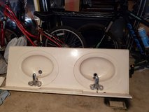 Double sink with fausets in Spring, Texas