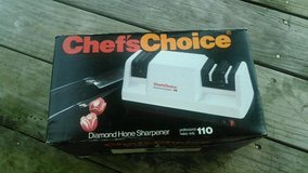 Chef's Choice Electric Knife Sharpner in Wilmington, North Carolina
