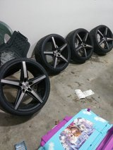 "20"" DUB rims and tires in Fort Leonard Wood, Missouri"