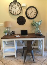Stunning solid wood desk ! in Fort Polk, Louisiana