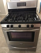 Frigidaire Gallery Range/Stove and Over-The-Range MICROWAVE/HOOD COMBO in Las Vegas, Nevada